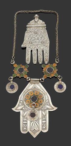 Hamsa symbol of protection Hamsa Jewelry, Tribal Jewelry, Jewelry Art, Antique Jewelry, Tribal Necklace, Moroccan Jewelry, Hand Of Fatima, African Jewelry, Hamsa Hand