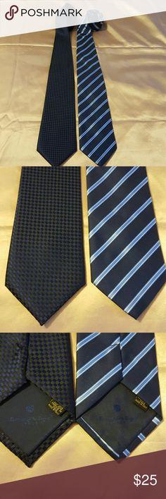 Ermenegildo Zegna 2 Italian manTies. Very nice 2 Italian man's blue Ties it used but looks new Ermenegildo Zegna Accessories Ties