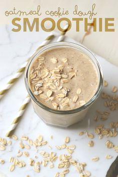 oatmeal cookie dough smoothie tastes like an indulgent treat but is packed with fiber, protein and healthy fats to keep you satisfied all morning. Protein Smoothies, Good Smoothies, Healthy Breakfast Smoothies, Fruit Smoothies, Morning Smoothies, Smoothie Recipes With Oats, Smoothies With Dates, Protein Fruit, Vegetable Smoothies