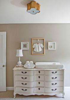 cool-armoire-baroque-pour-la-chambre-de-bebe