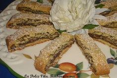 Biscotti alla #nutella con #nocciole, dolci rotolini di frolla ripieni!!