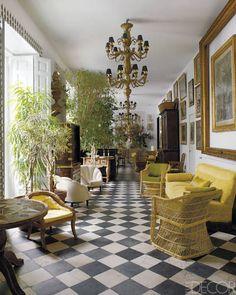 Lorenzo Castillo's Madrid home via Elle Decor Decoration Design, Decor Interior Design, Interior Decorating, Interior Modern, Home Interior, Interior Door, Checkerboard Floor, Checkered Floors, Sunroom Decorating