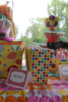 Outdoor Balloon Birthday Party | CatchMyParty.com