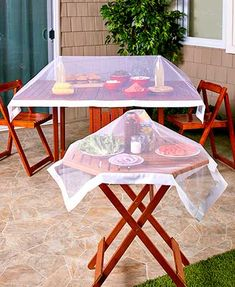 Enjoy your meal without the worry of bugs getting to it with this Set of 2 Picnic Food Covers. These versatile covers are useful for a variety of different food Food Net, Ideas Para Organizar, Outdoor Food, Bbq Party, Backyard Bbq, Table Covers, Kitchen Decor, Decoration, Sweet Home