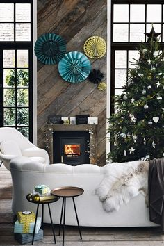 Discover The Most Stunning Ways To Decorate Your Christmas Tree During Festive Season On HOUSE