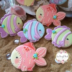 Colors of the sea🐋 Summer Cookies, Cookies For Kids, Fancy Cookies, Cute Cookies, Cupcake Cookies, Heart Cupcakes, Pink Cupcakes, Cupcake Toppers, Fish Cookies