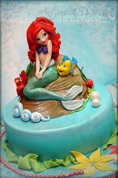 Disney princess Little Mermaid bridal shower cake idea Ariel wine glass