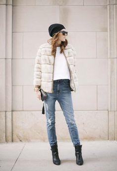 East Coast Denim and city style Sweater Weather, Winter Wear, Autumn Winter Fashion, Coast Dress, Moda Chic, Gala Gonzalez, Emmanuelle Alt, Winter Looks, Carrie Bradshaw