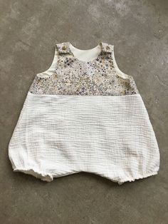 Eco Clothing, Baby Couture, Baby Sweaters, Baby Wearing, Diy Clothes, Baby Dress, Kids Fashion, Cool Outfits, How To Wear