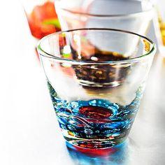 12か月をイメージしたカラーをまとった琉球ガラス【るりあん】バースデーグラスの商品詳細ページです。個性にあふれた発色が良くグラスは、誕生日プレゼントに最適です。