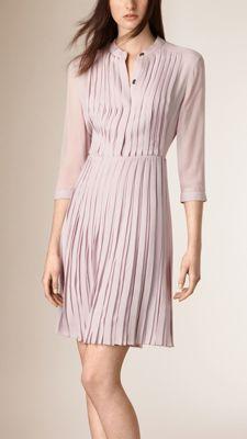 4bbc99192021 11 meilleures images du tableau Burberry dress   Burberry dress, Low ...