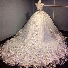 dress and wedding image Classy Wedding Dress, Wedding Dress Styles, Dream Wedding Dresses, Bridal Dresses, Wedding Gowns, Pretty Dresses, Beautiful Dresses, Sherlyn, Princess Bride Dress