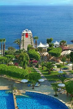 Under £3,500 for 20 persons.  A wonderful setting for your wedding in Cyprus, right on top of the blue waters of the Mediterranean. You will walk through the lush gardens to reach your wedding ceremony on the pier, decorated with a pretty gazebo and white covered chairs for your guests. After the ceremony you can have photos by the sea and in the gardens. Sunset pre-dinner cocktails can also be arranged.