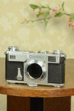 EXCELLENT! 1936 Zeiss Ikon Contax II, CLA'd, with Original leather cas – Petrakla Classic Cameras