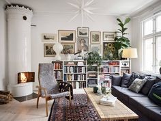 Interior Decorating, Interior Design, Living Room Interior, Scandinavian Style, Old Houses, Cribs, Sweet Home, Gallery Wall, Mid Century