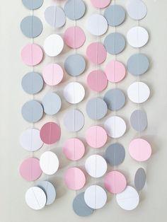 Guirnaldas de papel gris bebé elefante rosa es una buena idea para decorar cualquier espacio, crear un ambiente festivo. Simple e interesante forma de decorar la fiesta de cumpleaños, baby showr, boda, decoración del espacio de trabajo. Puede usar garland para sesiones de fotos,