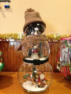 Fishbowl Snowman | Fishbowl snowman centerpiece! This has real potential, it's too rustic here but the possibilities are endless