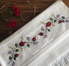 This Pin was discovered by A'y Hand Embroidery Videos, Embroidery Patterns, Ribbon Work, Crochet Squares, Embroidered Flowers, Red Roses, Needlework, Diy And Crafts, Sewing