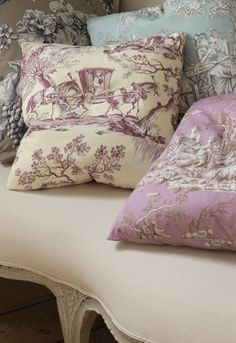 Love these Toile de Jouy colors!