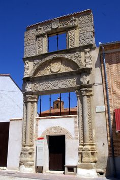 casa del arco de piedra ávila | Panoramio - Photo of El Arco de Piedra, Madrigal de las Altas Torres ...