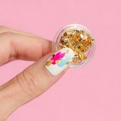 Spring nails with gold nail foil || Japanese nail art