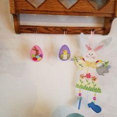 Artículos similares a Felt Easter decoration - felt eggs , Pastel Easter ornaments, Pastel spring decoration, Pink Green / set of 8 or 12 / PRE ORDER en Etsy Red Christmas Ornaments, Fox Ornaments, Felt Christmas Decorations, Heart Ornament, Holiday Decor, Daisy Wedding Decorations, Egg Decorating, Easter Decor, Easter Gift