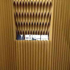 Detalhe do estande da molo .... Tudo papel ...#maisonobject #maisonobjectparis #paris #decor #design #decoração #designinteriores ##decoration #fabiogaleazzo #galeazzodesign
