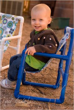 Top 10 DIY Fun And Useful PVC Pipe Crafts DIY Toddler Chairs -- this would be great for movie night! {Made out of PVC Pipe} Tutorial - 8 elbow pieces, 6 T-shaped pieces, 1 length of Pvc Pipe Crafts, Pvc Pipe Projects, Diy Projects To Try, Crafts To Do, Projects For Kids, Diy For Kids, Crafts For Kids, Diy Crafts, Cool Diy