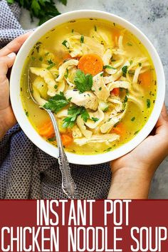 Instant Pot (Pressure Cooker) Chicken Noodle Soup Need a comforting bowl of chicken noodle soup? This Instant Pot (Pressure Cooker) Chicken Noodle Soup is easy to make and full of flavor. And thanks to the Instant Pot it's ready in a fraction of the time! Instapot Chicken Soup, Instant Pot Chicken Soup Recipe, Instant Pot Dinner Recipes, Chicken Soup Recipes, Instapot Soup Recipes, Easy Chicken Noodle Soup, Instantpot Chicken Recipes, Homemade Chicken Soup, Noodle Soups