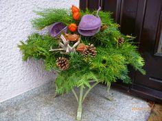 Weihnachtsdekoration am Hauseingang