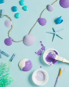 This summer, add a garland of Finding Dory-inspired seashells to your little one's bedroom with this simple and fun craft.