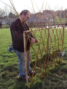 Potager Garden, Garden Trellis, Garden Nook, Garden Art, Backyard Projects, Garden Projects, Horticulture, Willow Fence, Willow Weaving