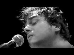 'High & Dry' Jamie Cullum live stage camera footage.  One of my favorite artists.