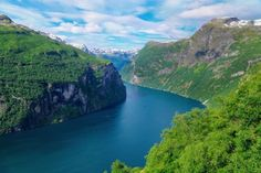 There are far too many amazing sights to see in Norway and the West Coast of Norway is one of the best places to get started with any trip to Norway – not least of all because of its amazing Fjords. A