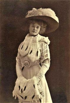Billie Burke, 1908 wife of F. Ziegfeld. Edwardian fashion. Fur muff and collar.