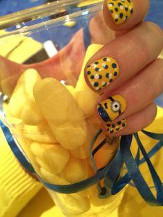 Nail Art Minions  #jaune #yellow #minions