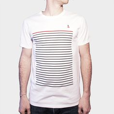 T-shirt 100% coton Origine France Garantie. Design à Paris, confection près de Lille, sérigraphie aux Angles, conditionnement à Chécy, expédition à Lyon.