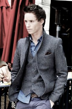 Eddie Redmayne. I may or may not have an obsession. Mmmmmm...... Okay. I do.