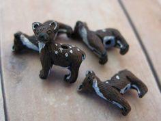 4 Tiny Deer Beads