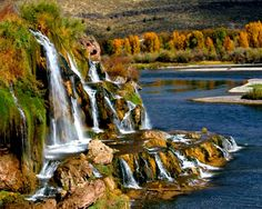 Snake River Canyon, near Twin Falls, Idaho I believe this is called Thousand Springs. Oh The Places You'll Go, Places To Travel, Places To Visit, Snake River Canyon, Twin Falls, Scenery Wallpaper, Beautiful Waterfalls, Vacation Spots, Travel Usa