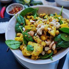 Karrystegt blomkål med mango og kikærter