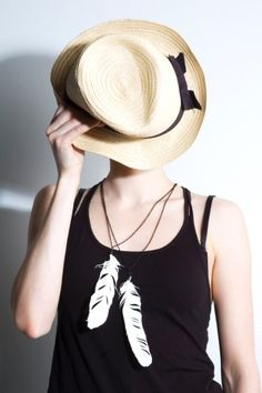 Feather necklace, small by Youth vs. Future 23€