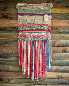 Made in Chile with natural wool and driftwood from Lago Puyehue. It is ready the same of the image and takes three weeks to arrive. Tapestry Weaving, Loom Weaving, Weaving Wall Hanging, Wall Hangings, Rug Hooking, Knitting Yarn, Textile Art, Textiles, Fiber Art