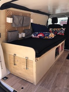 Caravan Storage İdeas 575194183657796598 - Expert Peugeot van aménagé Source by mlaniebe Toyota Hiace Campervan, Campervan Bed, Campervan Interior, Van Conversion Interior, Camper Van Conversion Diy, Camper Van Shower, Peugeot Expert, Kangoo Camper, Van Home