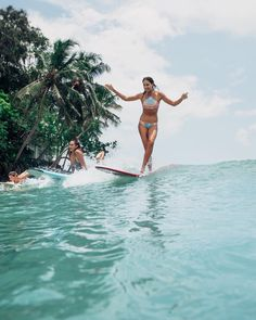 Our Hawaiian friends sharing Lankan waves 👆🏽🌊🌴 This cute little wave works during the summer time here in Sri Lanka and good this is we're… Rio, Going Off The Grid, Yoga Photography, Sri Lanka Photography, Big Waves, Surf Girls, Yoga Retreat, Best Yoga, Yoga Quotes
