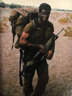 South African Defence Force soldier with his in the Once Were Warriors, Army Day, Vietnam War Photos, Defence Force, Military Pictures, Motivational Pictures, Military Weapons, African History, Special Forces