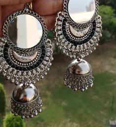 How To Make Silver Bracelets Code: 1797877266 Indian Jewelry Earrings, Jewelry Design Earrings, Indian Wedding Jewelry, Fashion Earrings, Silver Earrings, Silver Bracelets, Silver Ring, Heavy Earrings, Antique Jewellery Designs