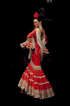 Love the lace. Spanish Costume, Mexican Costume, Spanish Dress, Spanish Art, Flamenco Costume, Flamenco Dancers, Flamenco Dresses, Flamenco Wedding, Fashion Models