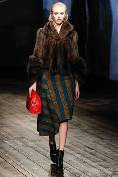 Prada Fall/Winter 2013-14 00120h.jpg 2,136×3,201 pixels Mink/Sable Jacket