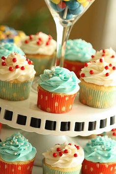 red and aqua cupcakes by paulahennig, via Flickr